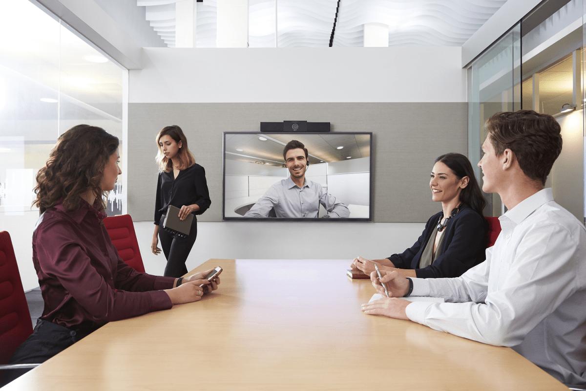 Интеллектуальное решение для видеоконференцсвязи для комнат для встреч - Polycom Studio