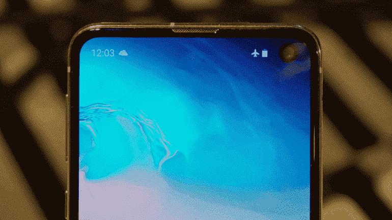 Сравнение: Galaxy S10e против S9