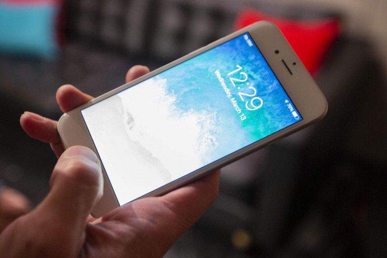 Сравнение считывателей отпечатков пальцев - Galaxy S10 + против Galaxy S9 против OnePlus 6T против iPhone