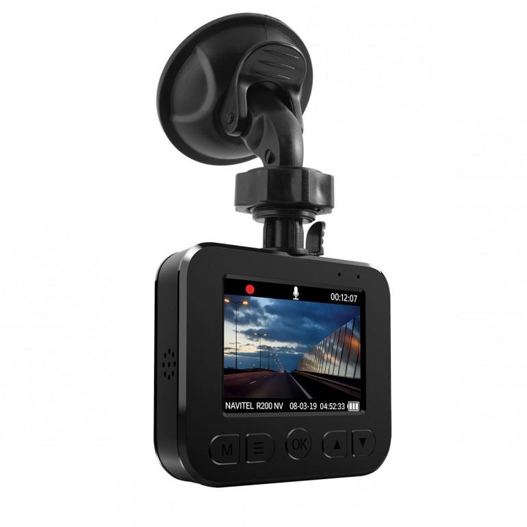 NAVITEL R200 NV - компактная автомобильная камера для требовательных пользователей