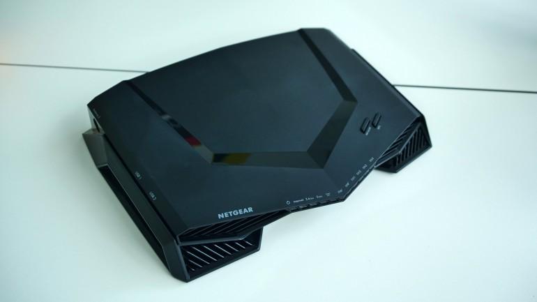 Netgear XRM570 Nighthawk Pro Gaming - Wi-Fi роутер с сеткой для игроков