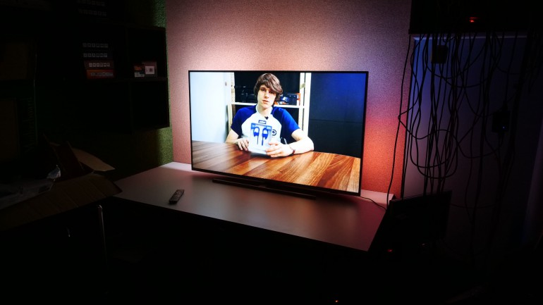 Philips 7300 55PUS7304 / 12 - 4K, Ambilight и Android по разумной цене