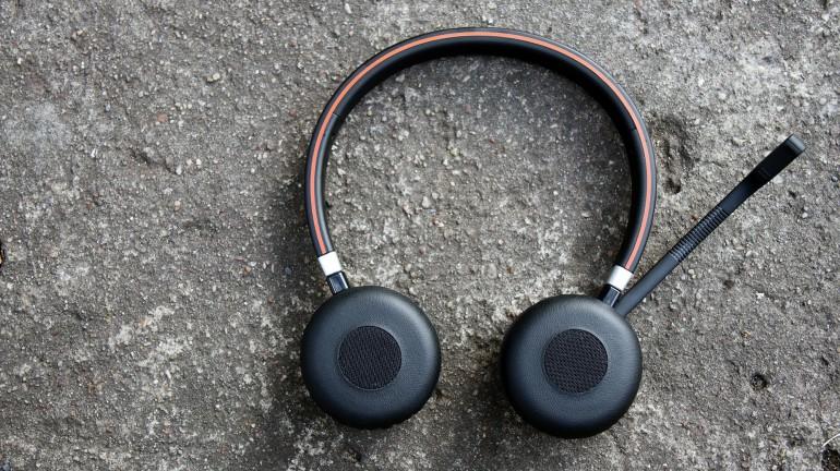 Jabra Evolve 65: тест беспроводной гарнитуры с пассивным шумоподавлением