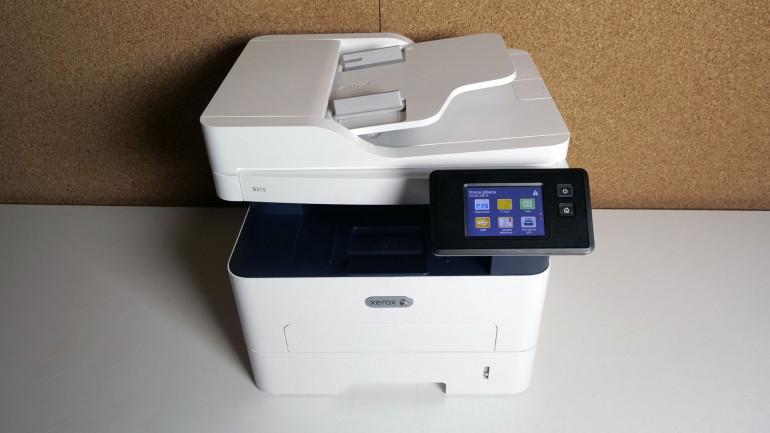 Xerox B215 - монохромный многофункциональный принтер с Wi-Fi и сенсорным экраном