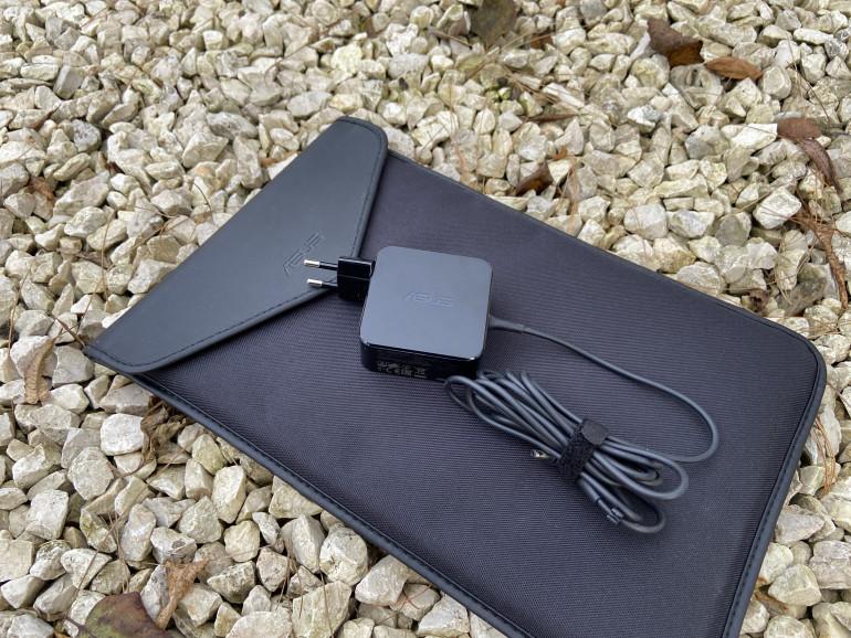 ASUS ZenBook 14 UX434F - протестируйте интересный ноутбук с экраном вместо тачпада